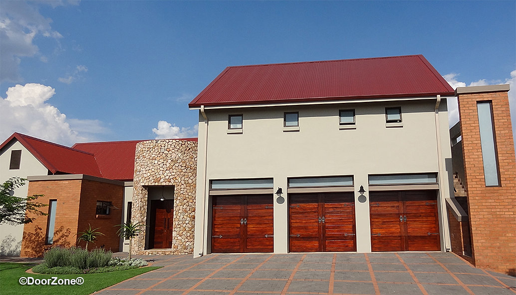 Doorzone garage door manufacturers stable singles for Door zone garage doors