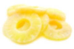 Ananasu riņķi vieglā sīrupā