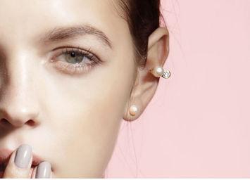 Gold Philosophy: Duet Pearl Ear Cuff | Jewelry,Jewelry > Earrings -  Hiphunters Shop