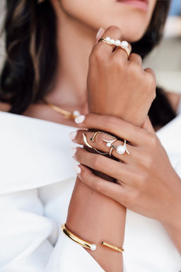 Gold Philosophy: Delphine Pearl Cluster Double Ring | Jewelry,Jewelry > Rings -  Hiphunters Shop