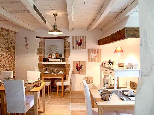 ferme elhorga chambres d 39 h tes g tes au pays basque. Black Bedroom Furniture Sets. Home Design Ideas