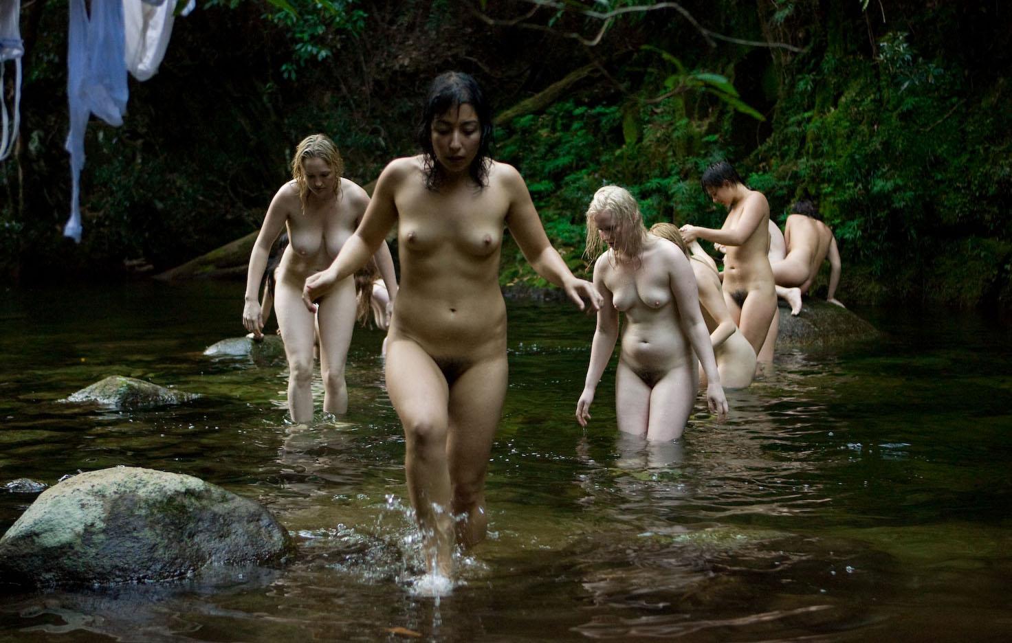 Съемки голых женщин 3 фотография