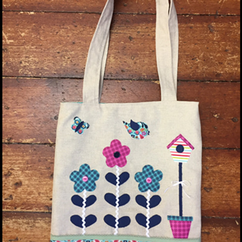Owl and sewing cat patterns pollys garden applique tote bag pattern publicscrutiny Image collections