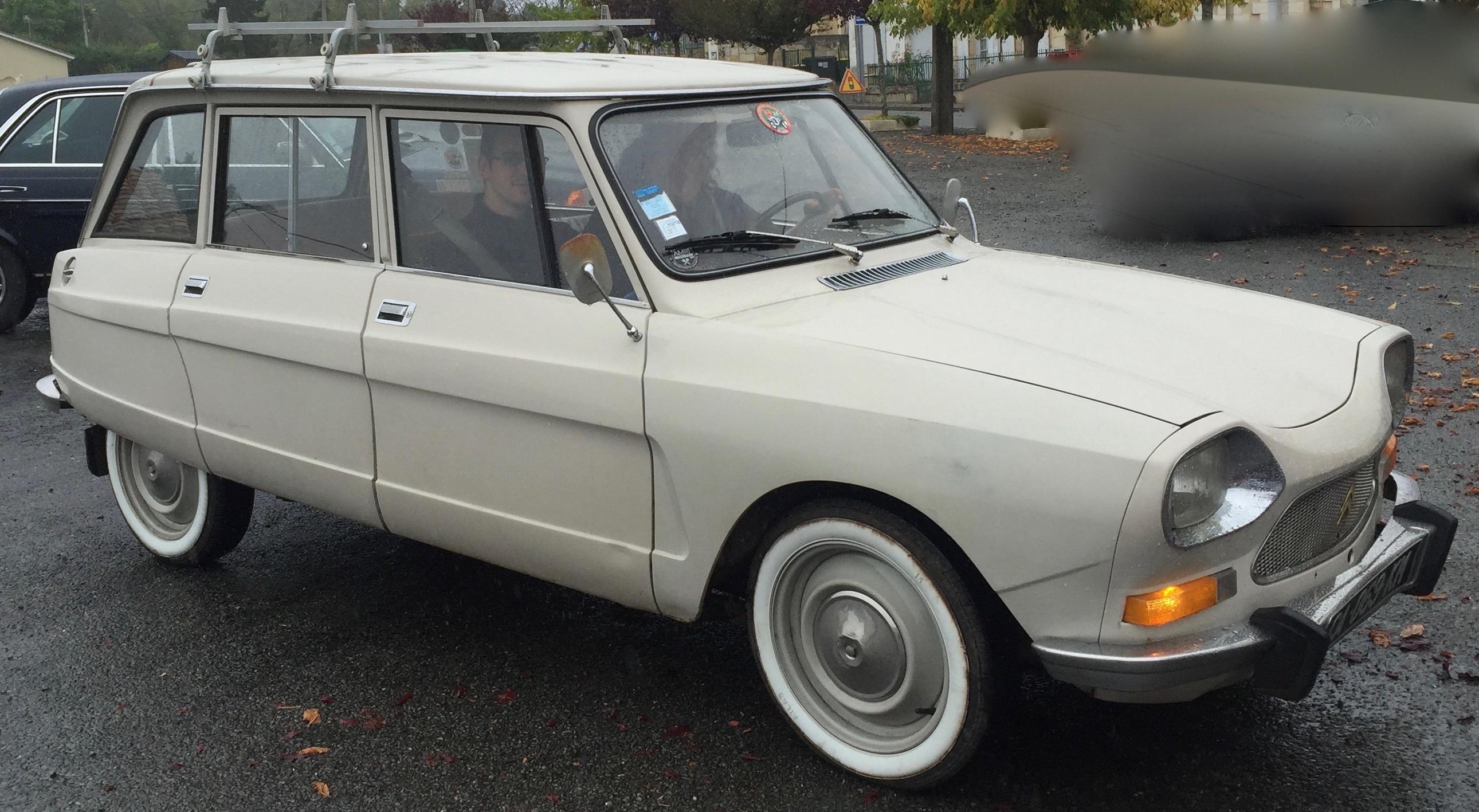 Voiture Simca De 1950 A 1975 maremm voitures de collection et d'exception dordogne
