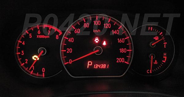 Горят предупреждающие сигналы все подряд: ошибка двигателя (check engine), система динамической стабилизации (vdc)