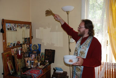 Как осветить святую воду в домашних условиях - Декоративные подушки своими руками, фото. Коврики и одеяла