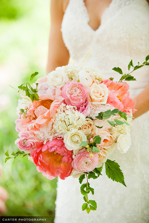 hydrangea ranunculus peony garden rose bouquet - Garden Rose And Peony