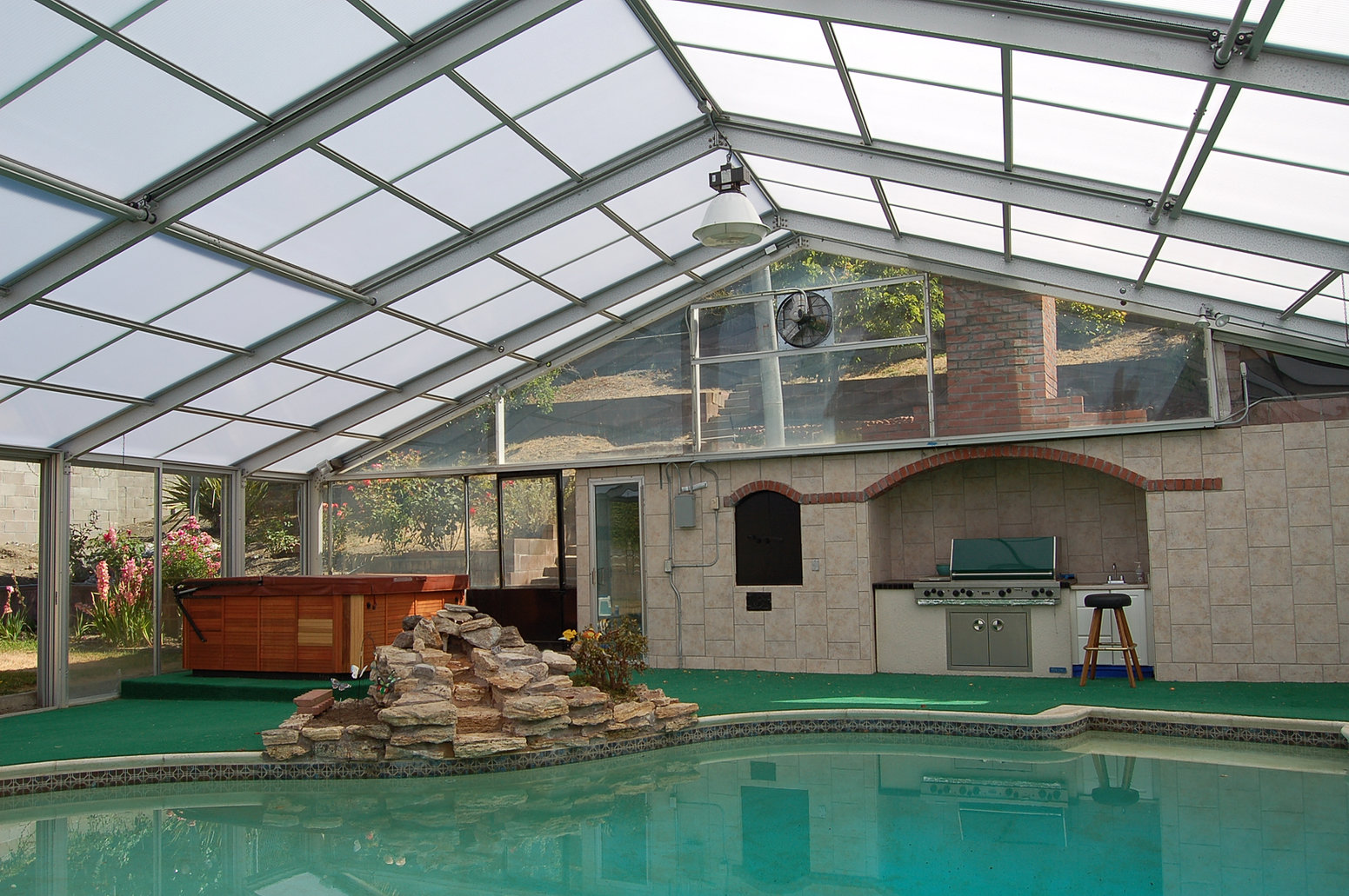 Buena vista sunrooms sunrooms greenhouses skylights - Swimming pool enclosures ...