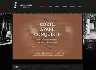O Barbeiro Template - Fique um corte acima dos outros com este estiloso template HTML. Abra seu negócio a um público mais abrangente e atraia clientes online. É fácil; basta adicionar seu texto e imagens e está tudo pronto. Experimente agora!