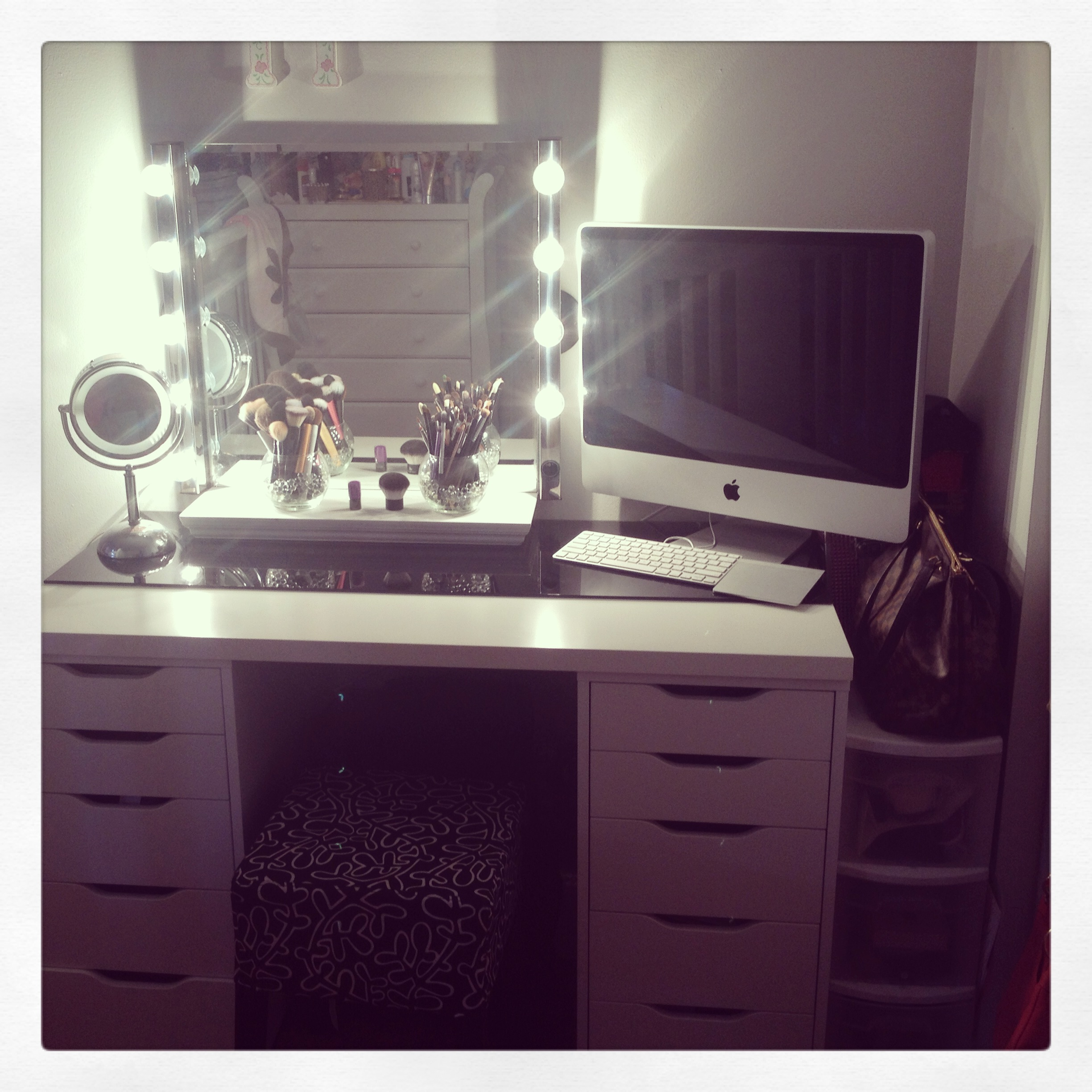 Hollywood Vanity Mirror With Lights Diy universalcouncilinfo