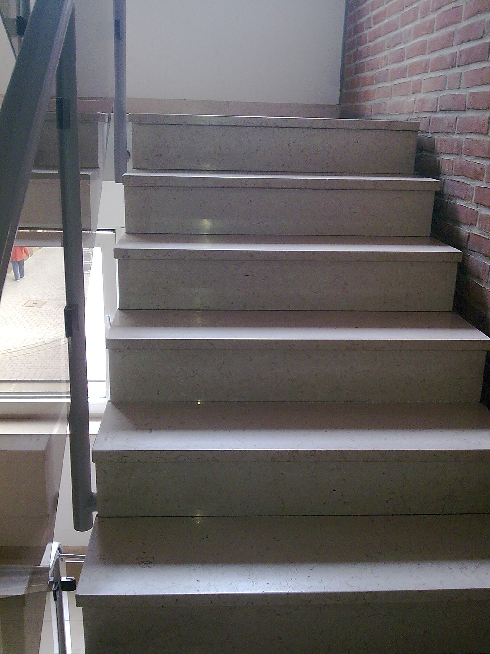 Innentreppen treppenstufen aus naturstein granit und marmor for Esszimmertisch aus granit