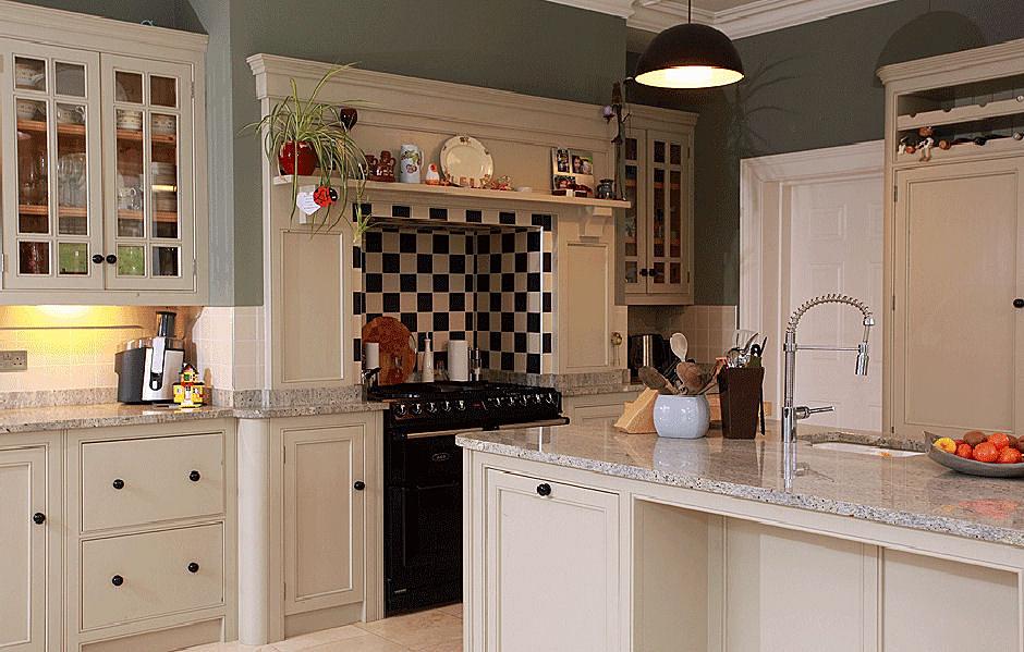 Linehans design cork classic kitchen design cork cork for Period kitchen cabinets