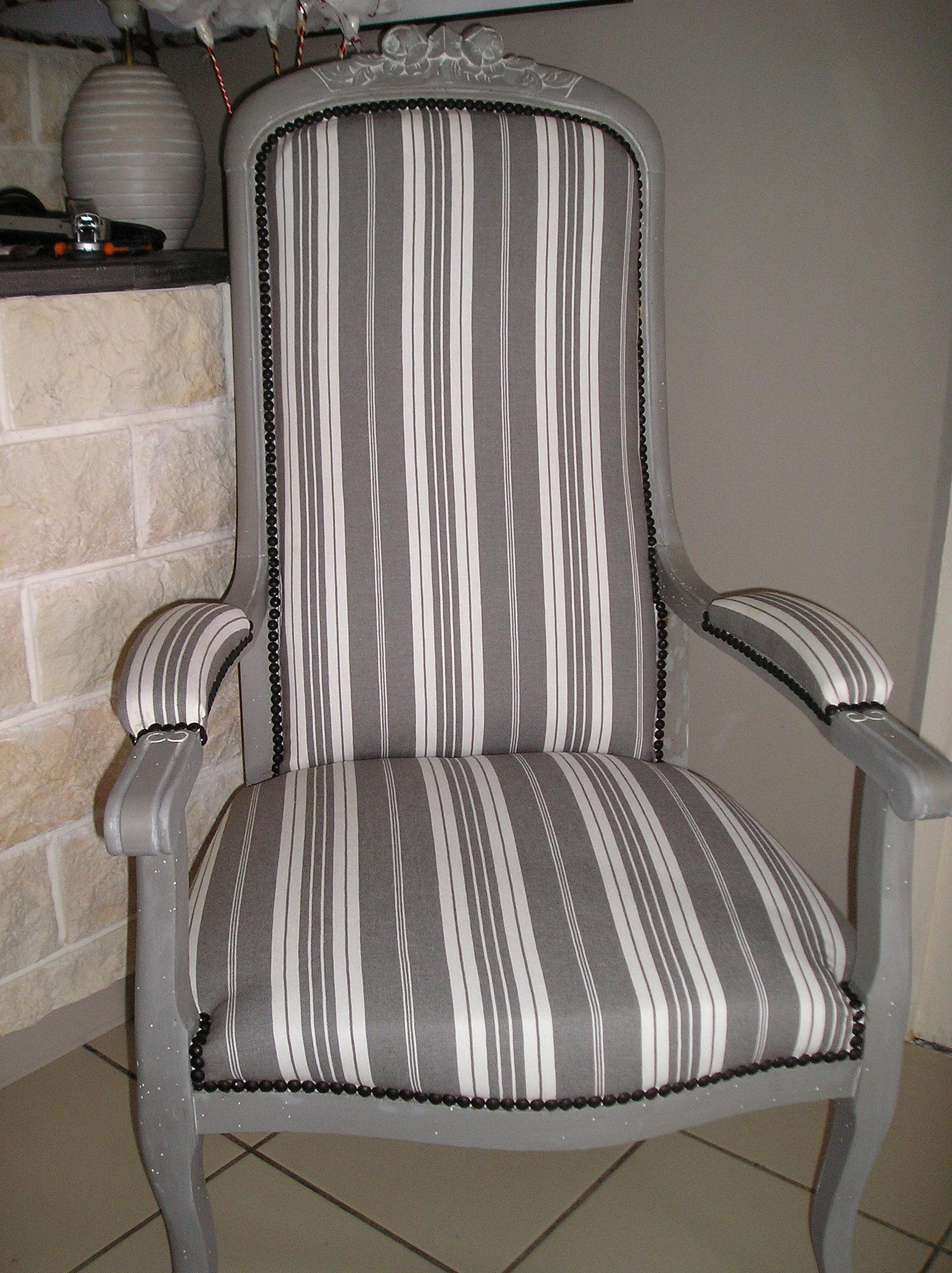 atelier creapas tapissier tarifs disponibilit s fauteuil voltaire apr s. Black Bedroom Furniture Sets. Home Design Ideas
