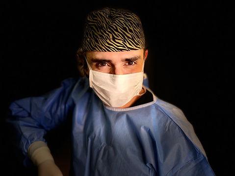 DR GONZALO GOMEZ.jpg
