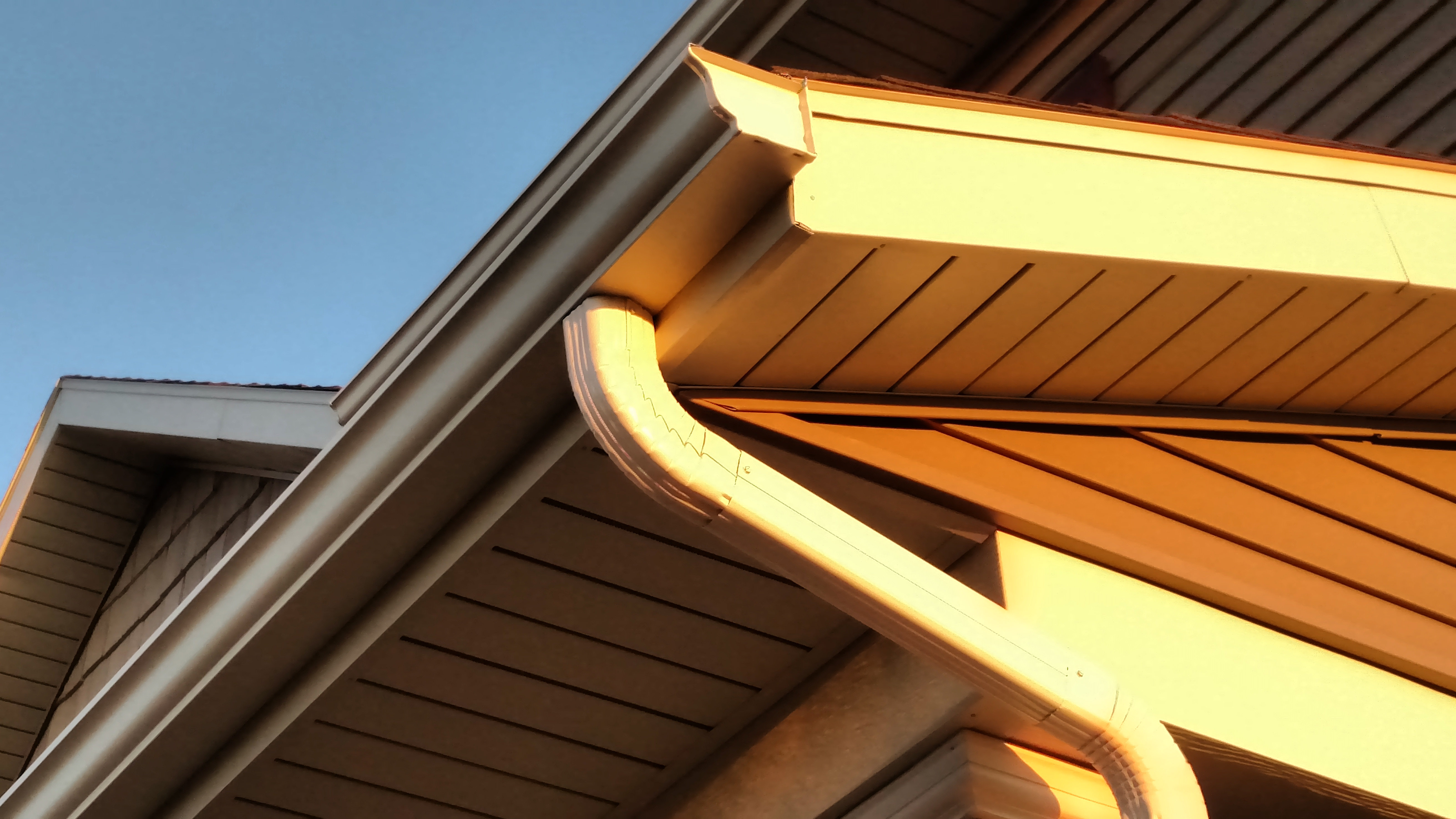 Comstock Seamless Aluminum Rain Gutters In Central