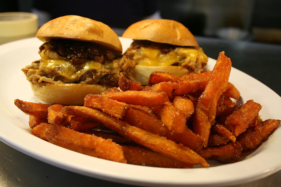 pull pork sliders with sweet & spicy sweet potato fries