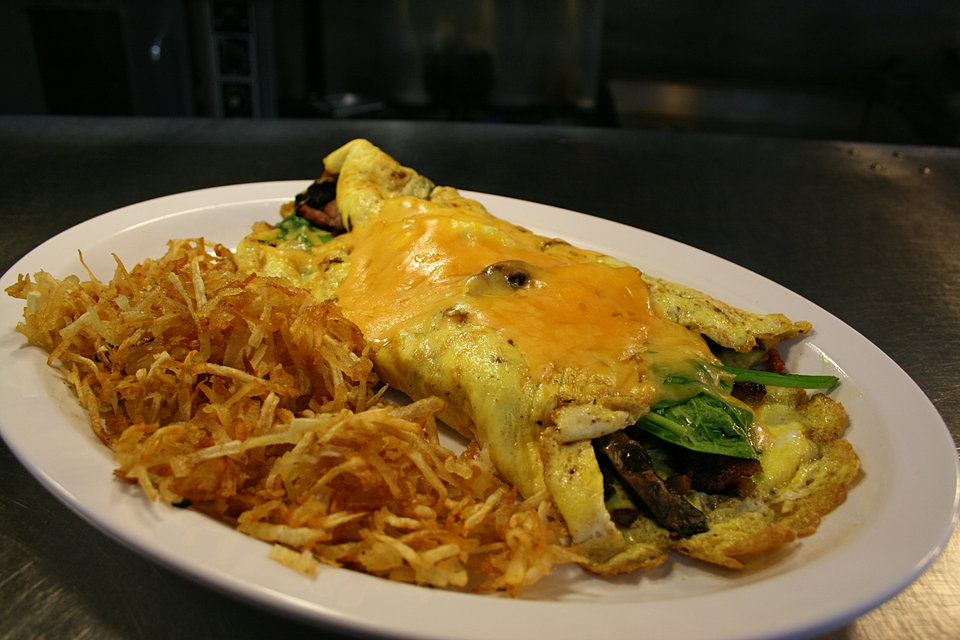 Omelet w Crispy hash browns