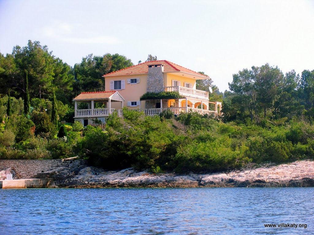 http://lh5.ggpht.com/_Sf_EkFEKth4/TIManOLJjcI/AAAAAAAALn0/Zi5zcAWNcGI/s1024/Test 2 Villa Katy form the sea_edited.JPG