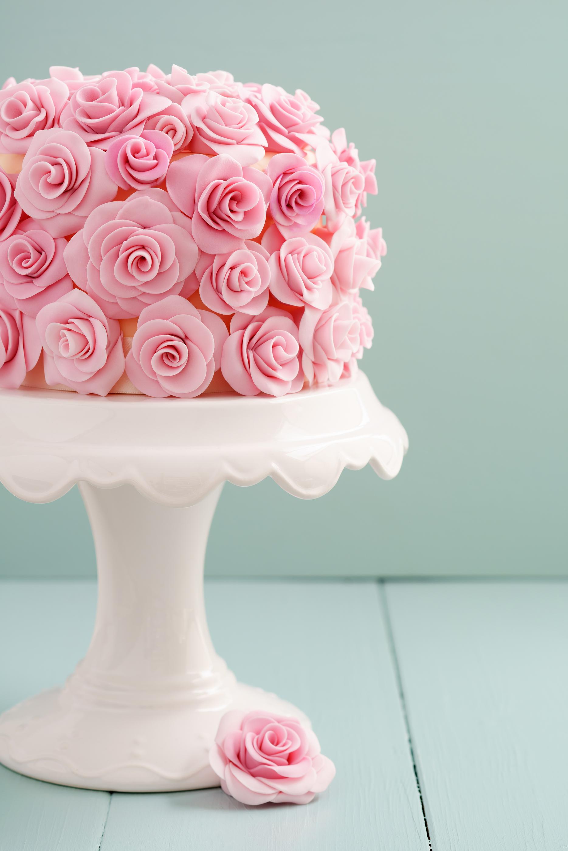A unique cake decorating studio the art of cake for Art cake decoration