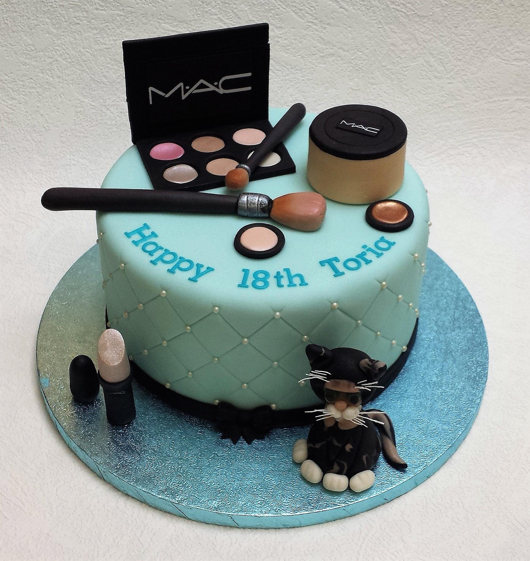 Sweet  Makeup Cakes