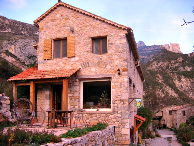Gorges du verdon castellane chambres bed and breakfast bnb for Chambre bed and breakfast