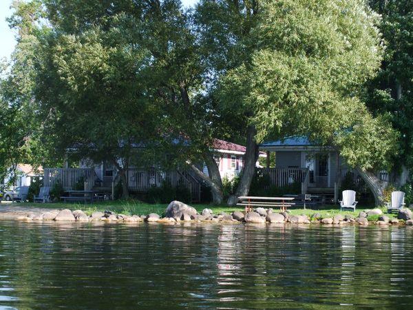 2 Bedroom Classic Lakefront Cottage Golden Beach Resort