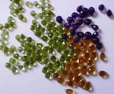 semi-precious-stone-beads-804655.jpg