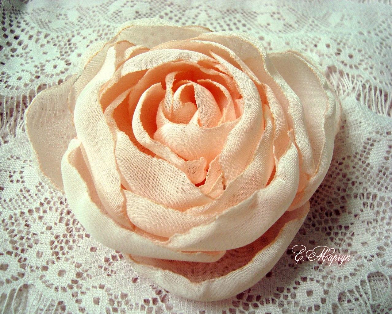 Искусственная роза из ткани своими руками