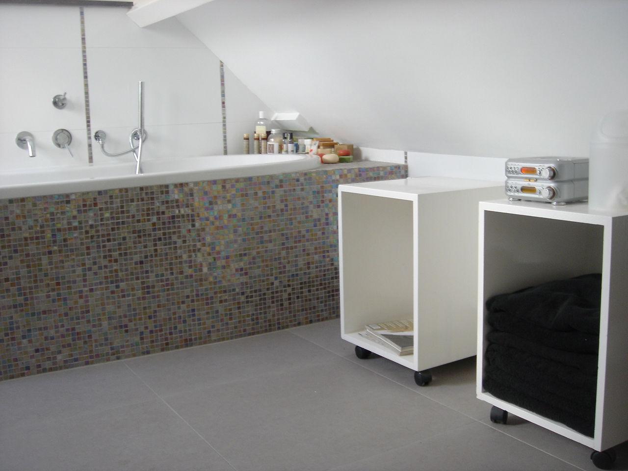 Blommestein de tegelspeciaalzaak nijmegen groesbeek natuursteen parket design aanbiedingen - Badkamer met mozaiek ...