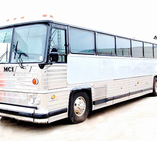Rent A 40-50 Passenger Mega Chicago Party Bus With A Bathroom