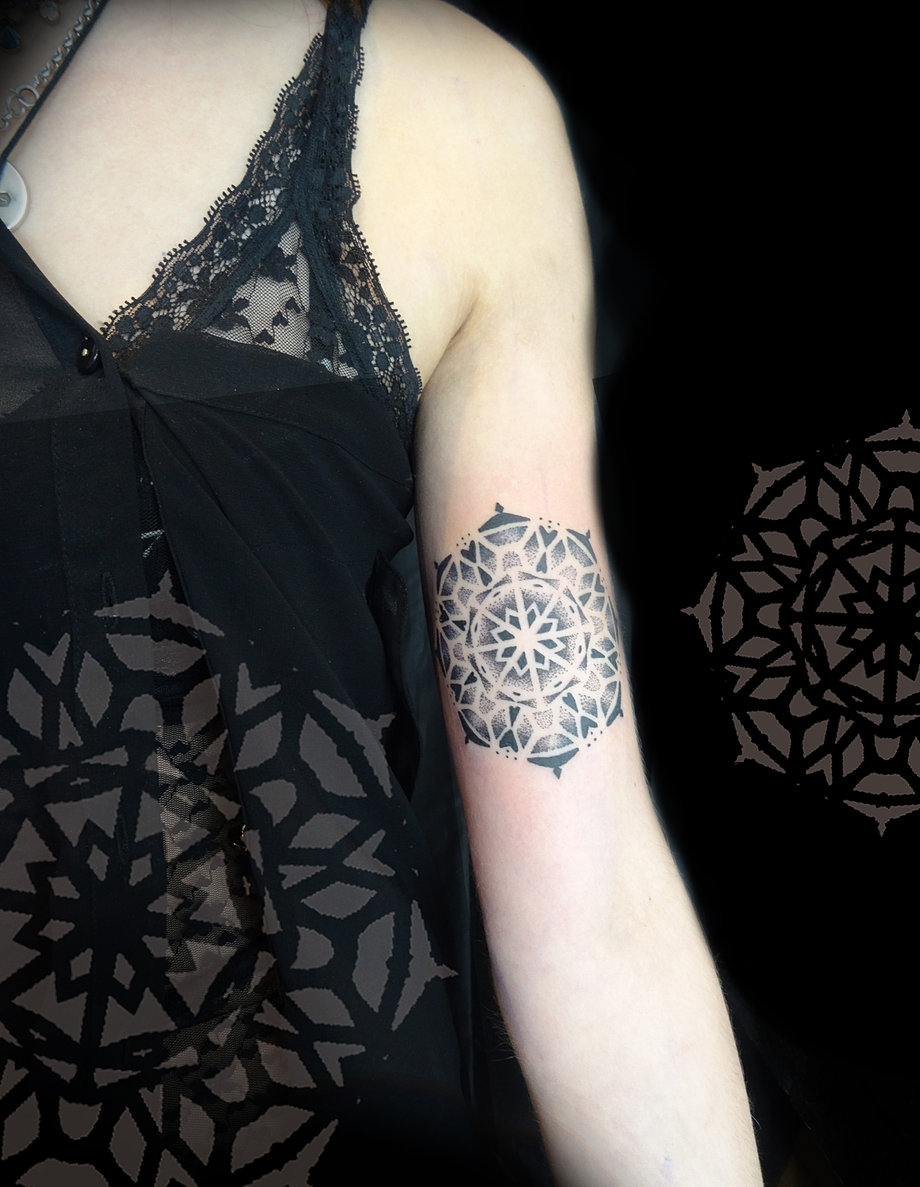 Dot work and geometric tattooing by Fade FX