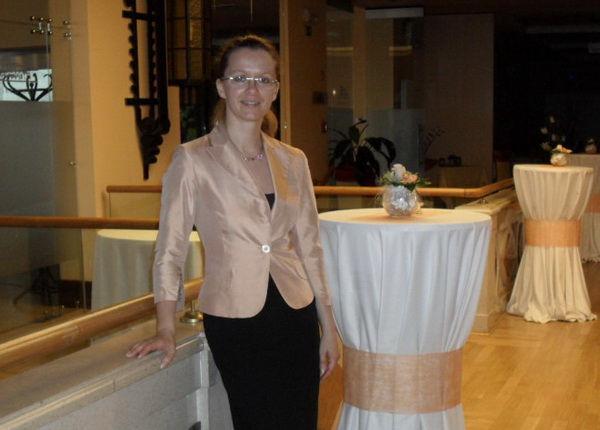 Katja Bradac: Jamski dvorec