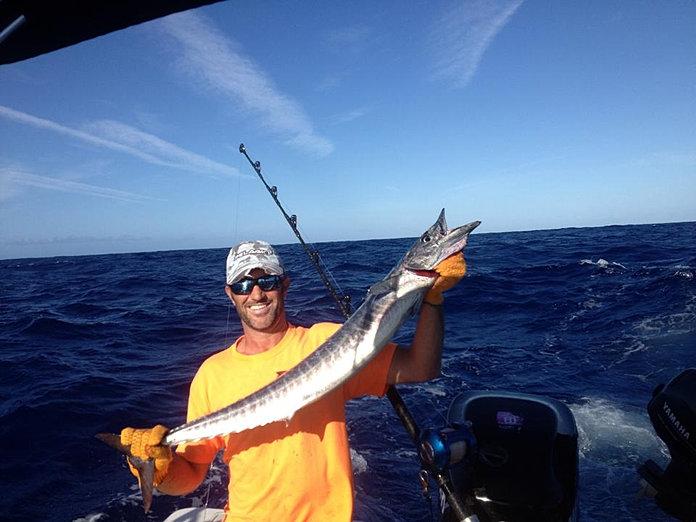 Off the hook kauai sport fishing charters deep sea for Fishing in kauai