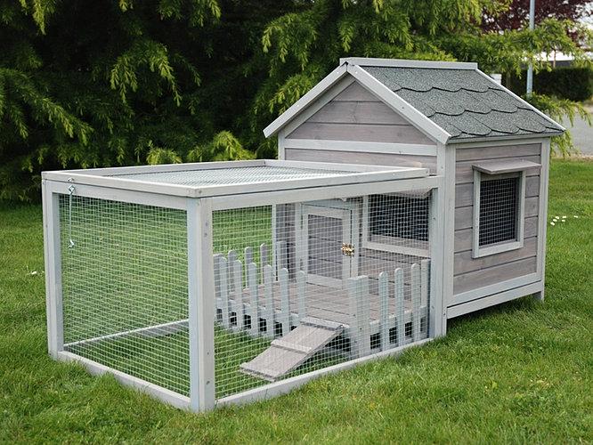 Habita lapin en bois avec toit tuil et terrasse for Exterieur habitat 85