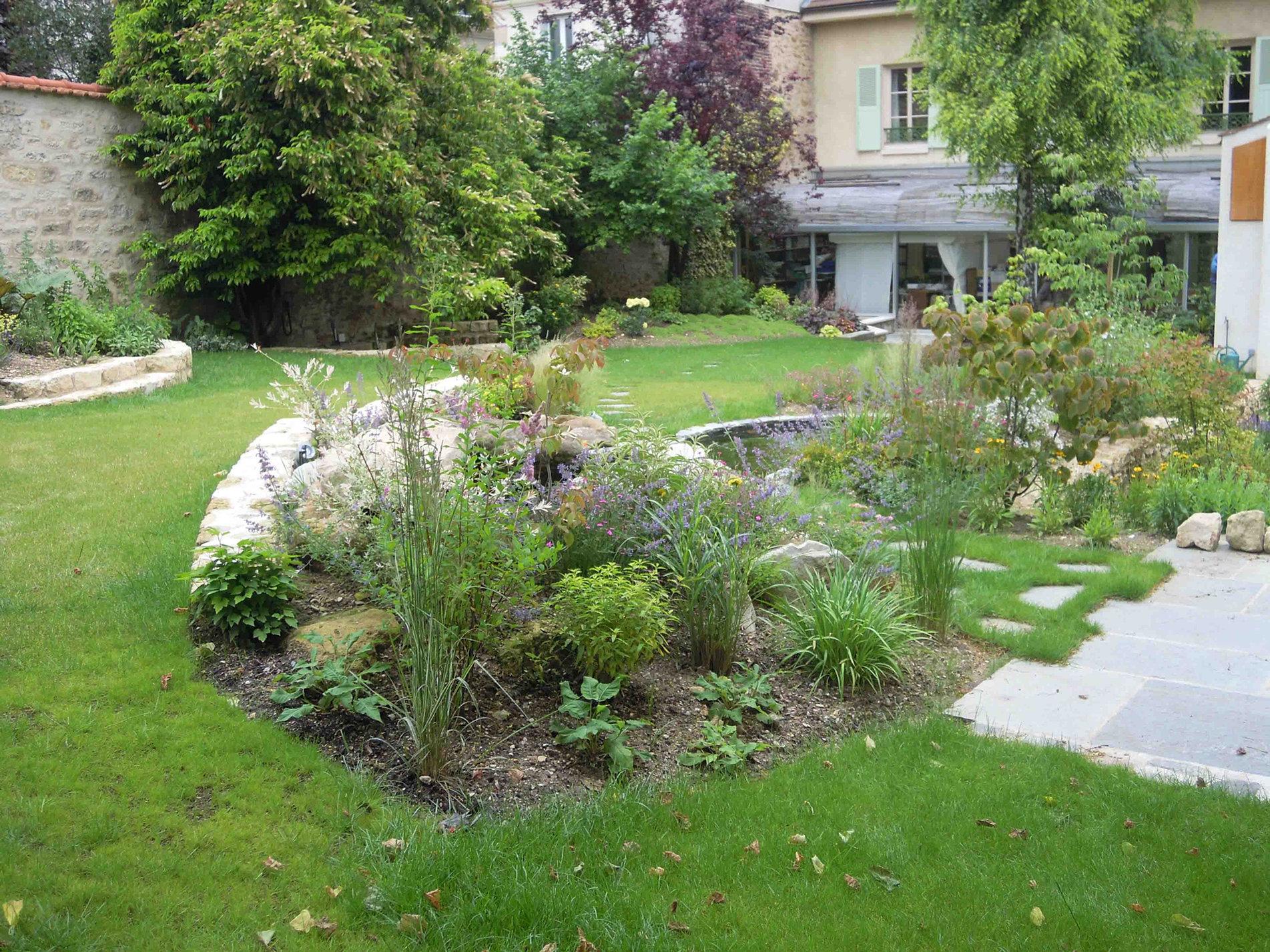 Biovert jardins entretien de parcs jardins terrasses balcons - Agent d entretien des parcs et jardins ...