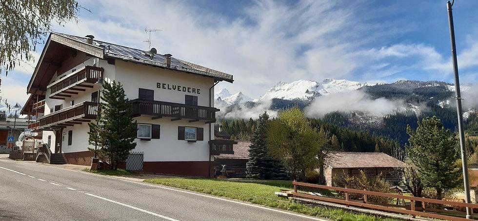 Albego B&B Belvedere a Predazzo, Val di Fiemme. Situato alle porte delle Dolomiti con vista spettacolare.