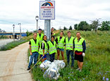 Highway cleanup crew
