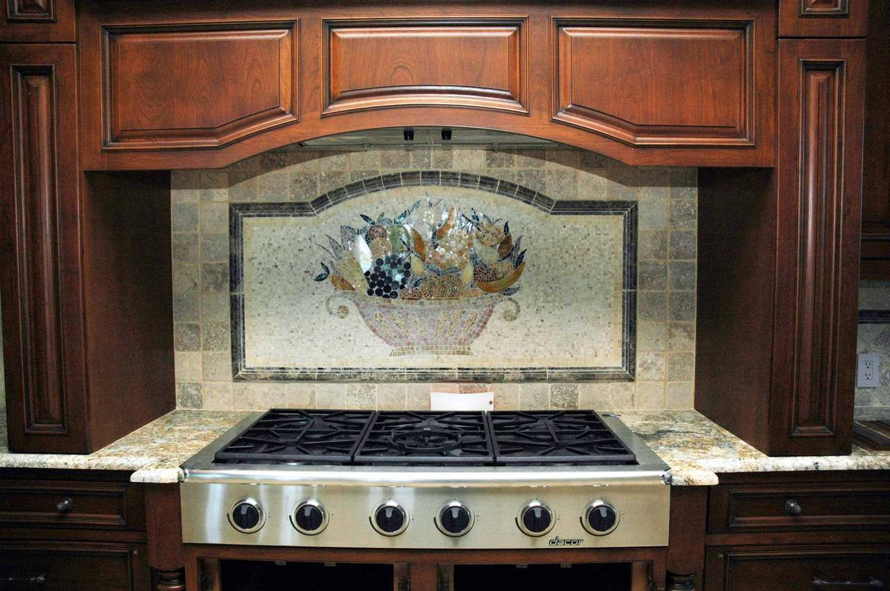 basket (marble backsplash)