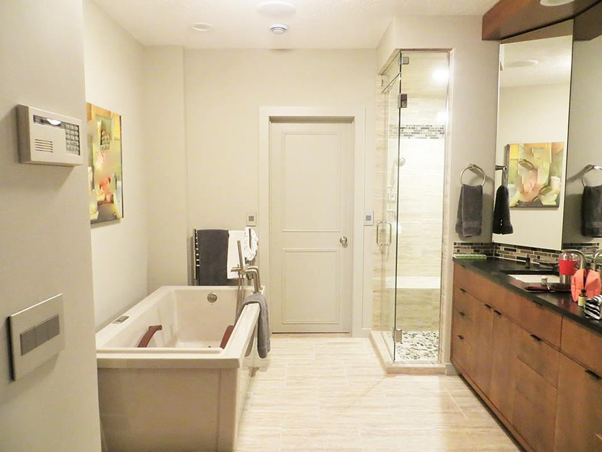 Ritt 39 s done right construction builder services for Bathroom remodeling lansing mi