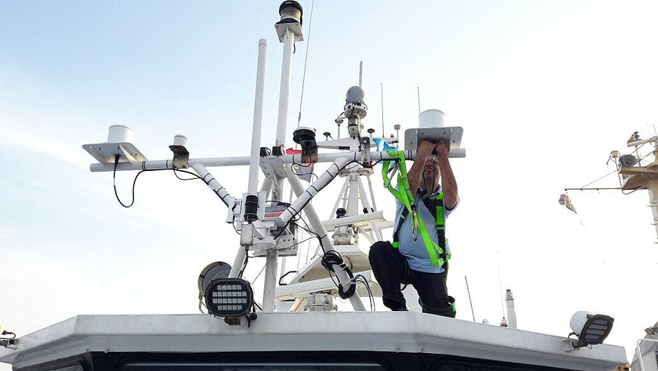 Marine Electronics Repair : Alhoutyam ltd marine electronics and ship repairs