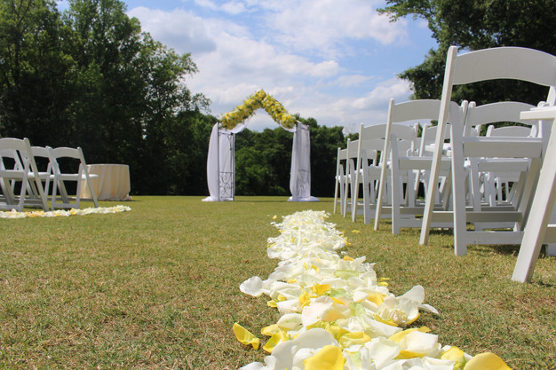 Pros and cons of an outside wedding shannel aiken wedding the biggest concern for outside weddings is rain in instances when rain is a possibility most of your venues will already have built in back up plans junglespirit Image collections