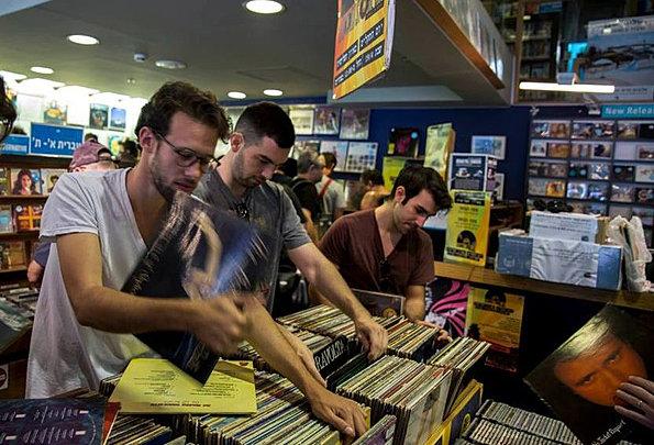 חנות-תקליטים-cut.jpg