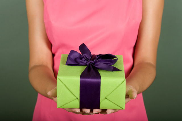 Подарки для близких друзей на день рождения