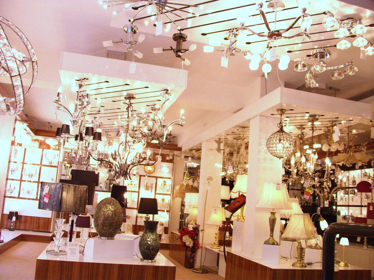 shop fitting lighting shop by streamline in manchester.JPG & shopfit.co.uk - Streamline Shopfitting Ltd - Professional ... azcodes.com