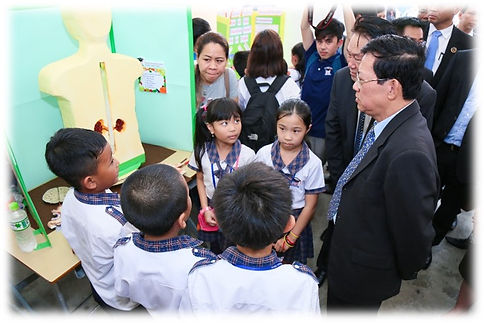 school_fair_03.jpg