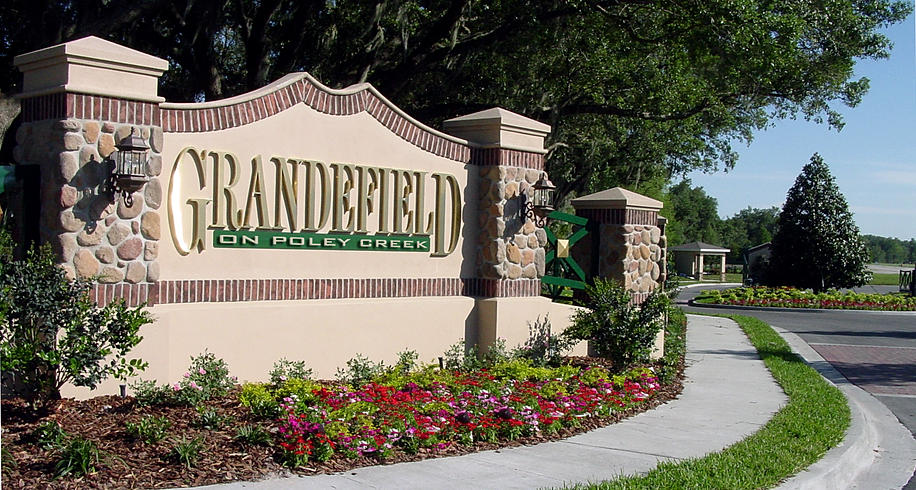 Arthur Rutenberg Homes Proudly Announces a New Lakeland Neighborhood With a Sense of Country,Charm,and Space.