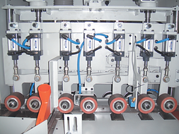 5 in-feeding rollers and 2 out-feeding rollers ensure high stability and cutting accuracy for long or heavy lumber.