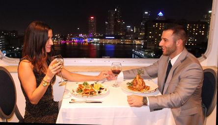 Yacht StarShip: Valentine's Day Brunch & Dinner Cruises