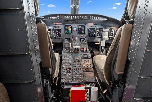 CRJ 1.jpg