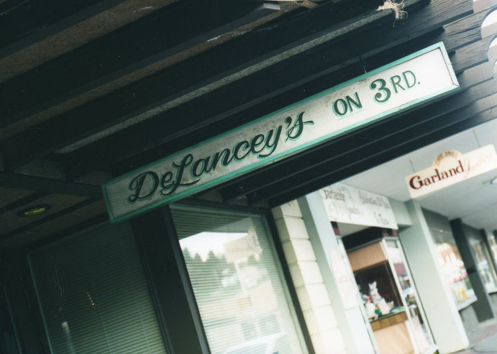 Delanceys on 3rd created by bustop55 based on for Space headliner
